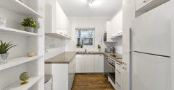 Spacious & Modern Apartment – A/C